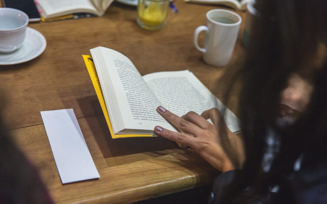 Literatura como direito humano: você já pensou nessa relação?