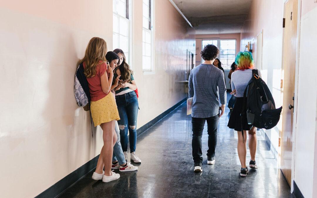 Como o uso do nome social na escola impacta na autoestima e na visão de mundo das crianças e jovens?
